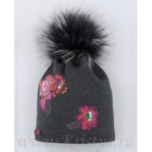 Шапка зимняя темно-серого цвета с цветами МАРТИНА